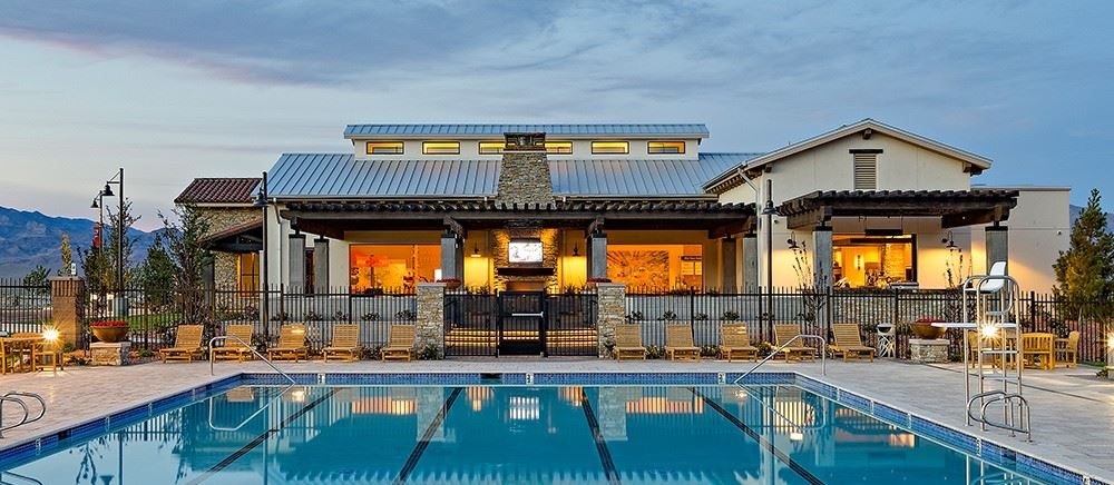 Skye Canyon outdoor pool