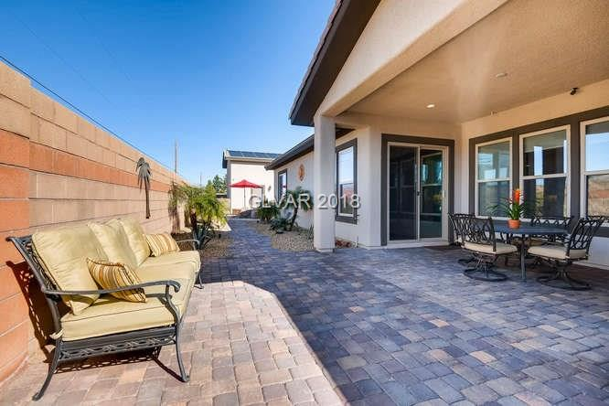 outdoor patio at Vegas home MLS 1967345