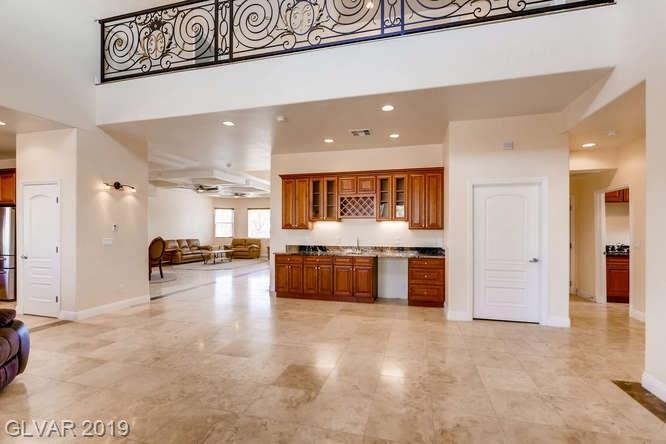 Butlers pantry in Las Vegas home