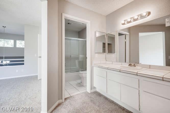 Arbors condo in Las Vegas - master bath