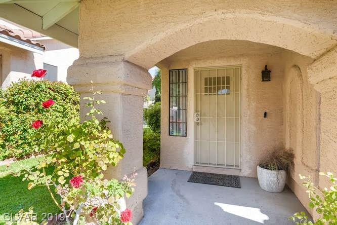 Home in The Lakes, Las Vegas - entry