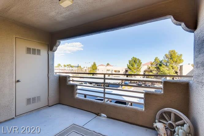 Summerlin condo in La Posada - balcony