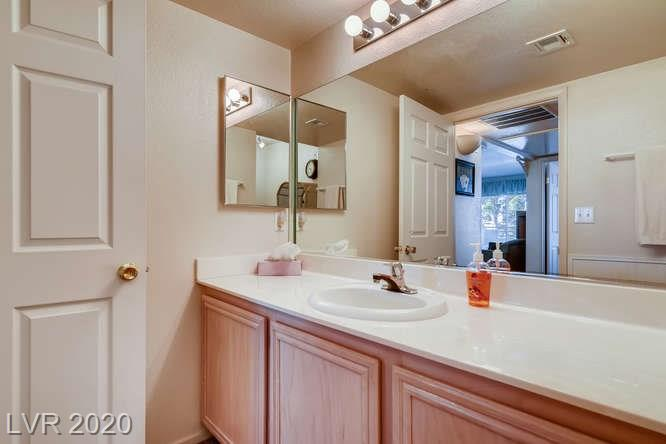Summerlin condo in La Posada - bathroom vanity