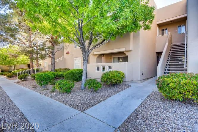 Summerlin condo in La Posada - front shot