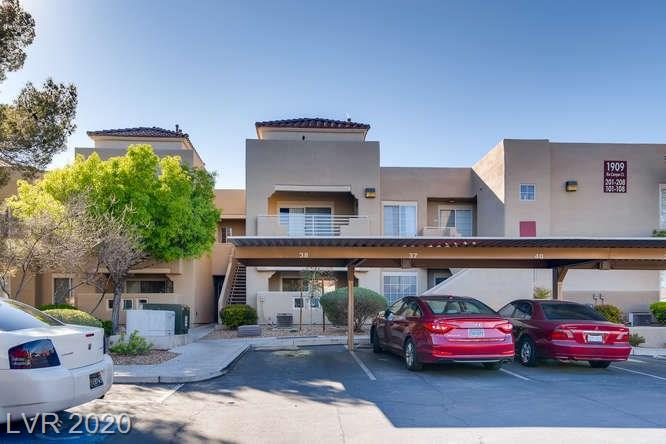 Summerlin condo in La Posada - covered parking