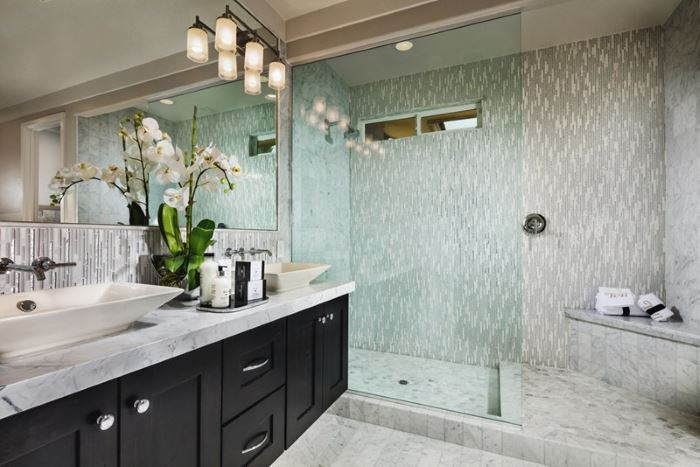 Toll Brothers master bath in Vista Dulce at the Mesa, Summerlin
